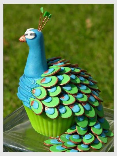 Cupcake made like a peacock